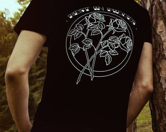 Mens 'Rest in Pieces' R.I.P Roses Back - Black T-shirt
