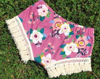 Girls shorts- toddler shorts- baby shorts- bloomers- bummies- fringe shorties- purple floral