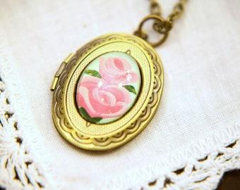 Enchanted Rose Locket (Princess Pink)