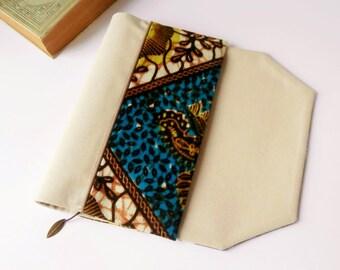 Protège-livre de poche en tissu ajustable avec marque-page (Tissu wax/ bleu_beige clair)