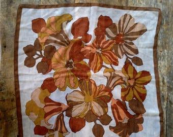 VINTAGE 70's Retro Flower Scarf