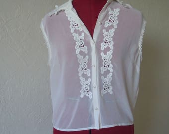 Embroderied blouse Semitransparent blouse Mesh bluse Mesh top Embroidered top Blouse with lace Top with lace White romantic blouse