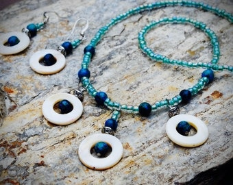 Shell, turquoise bead, blue stone necklace, turquoise glass bead, blue stone necklace Beach jewelry. Hawaiian jewelry. Unique necklace