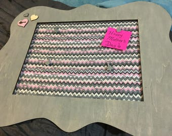 Cute grey & pink picture frame with chicken wire