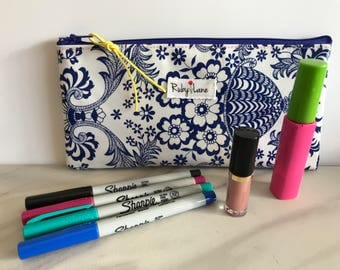 Long Oilcloth pouch / Zipper pouch / Pencil pouch / Oilcloth bag / Makeup brush pouch / Blue floral