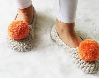 Women Slippers - Crochet Woman Slippers - Pom Pom Slippers for Women