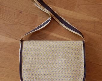 Handbag with flap, shoulder. Unique piece. Two pocket inside. Cacau collection
