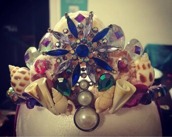 Custome kids mermaid crowns! This exact one is not available, but message me and we can get started on a personal one just for you!