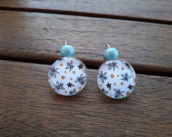 Cabochon blue flowers and Pearl Earrings sky blue wood