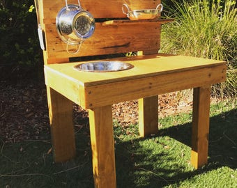 Kids Mud Kitchen (Mini)