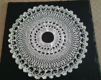 Dress to crochet for opaline lamp