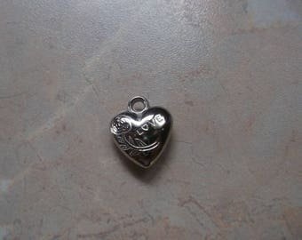 """Heart"" silver metal charms, engraved with a rose and ""Love"""
