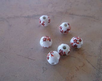 Porcelain / ceramic with 8mm red flowers