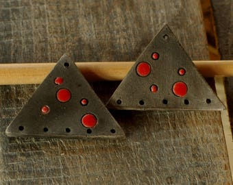 Set of 2 triangular beads for earrings - black dots Red