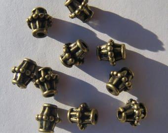 Set of 10 bronze beads