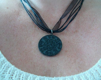 Necklace slate real lace effect
