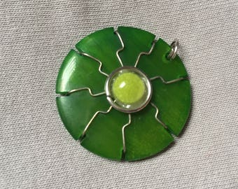 1 ethnic pendant 3cm green seed TAGUA or ivory vegetable cabochon half ethnochic Blue Pearl