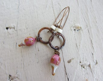 Earrings dangle ring hammered copper charm drop Lampwork Glass, stone ring, pink raspberry, white, copper