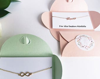 4 x personalized gifts: for the best girls