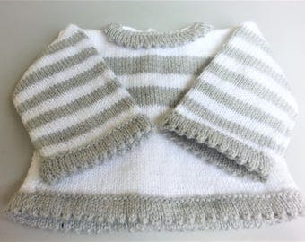 Top White & grey 3 months + - birthday gift idea