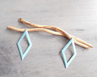 2 light turquoise diamond prints