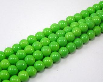 Set of 20 6 mm glass beads shiny light green M