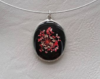 Choker + oval pendant, resin and dried White Rose flower