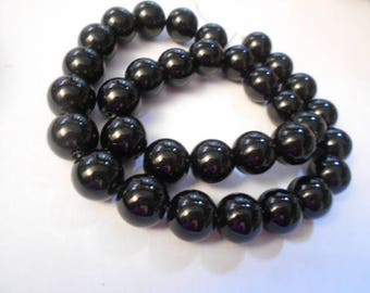 1 strand 31 beads round 12 mm black agate