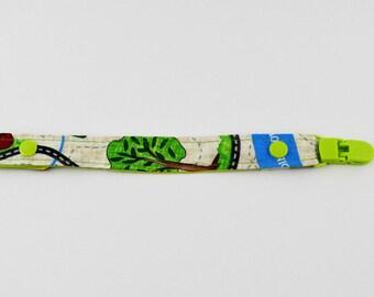 Nipple - tree fabric pacifier clip