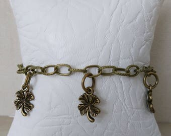 Chain bracelet with 4 leaf clover charms