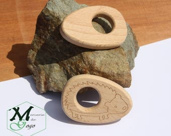 Hedgehog 2 natural wooden teething ring.