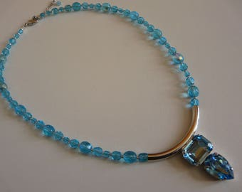 NECKLACE WITH AQUAMARINE SWAROVSKI CRYSTAL RHINESTONES