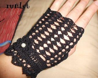 black cotton fingerless
