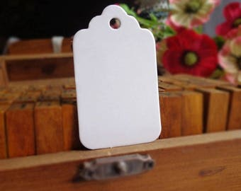 100 tags labels American White with fill
