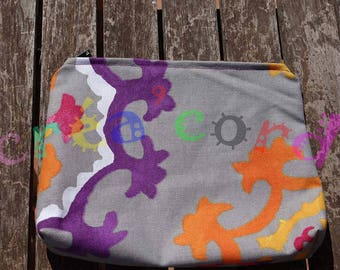 ideal to slip into your bag zippered bag