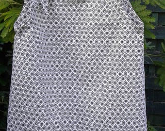 DRESS SUMMER FABRICS GRAPHIC BLACK AND WHITE SIZE 2 / 3 YEARS