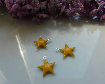 Star 15mm yellow enamel pendant charm