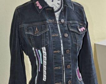 Jacket/jacket (size 36) customized black denim, classic but slightly fitted cut, pattern illustrated girl