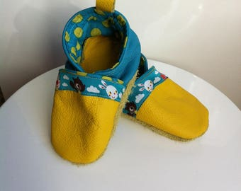 Cotton and soft leather baby shoes