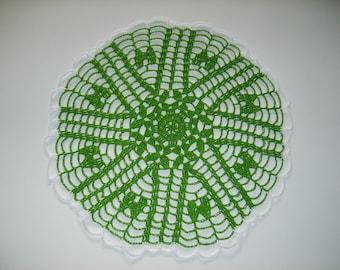 Round doily green and white 28cm