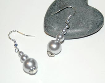 Light Pearl Grey earrings