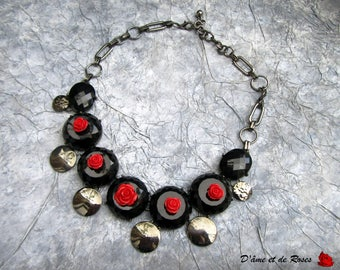 baroque black and red rose necklace