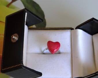 metallic raspberry heart 1.1 cm mounted on 14mm Adjustable ring