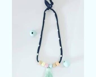Tassel wood bead necklace