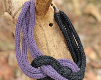 Two-tone black and purple knitted necklace