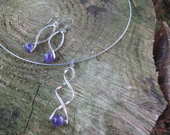 Set earrings with amethyst and twisted necklace