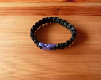 Paracord Bracelet black purple clip