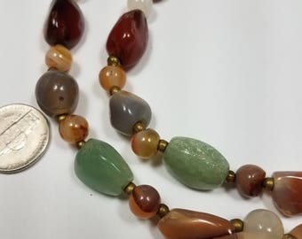 vintage multi colored agate and stone necklace/choker