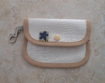 Small wallet in oilcloth