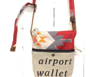 Pouch airport, beige and orange style Mexican